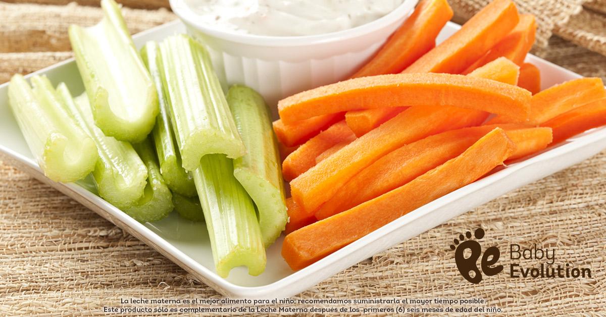 Menú saludable para niños - Bastoncitos de zanahoria y apio con hummus