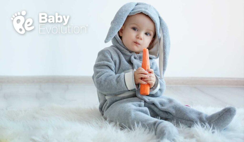 nino-come-zanahoria-vestido-de-conejo-baby-evolution